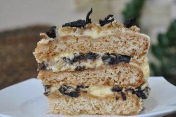 """Торт """"Французский"""" действительно очень-очень-очень вкусный. Уходит первым сос стола."""