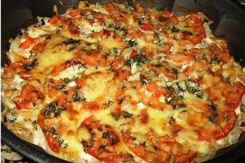 Рыба, запечённая с помидорами и сыром. Удачный рецепт! Мои детки обожают просто. Советую попробовать мой рецепт.