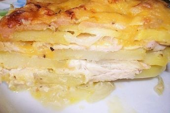 Нежнейшая, ароматнейшая, вкуснейшая картофельная запеканка из доступных продуктов!