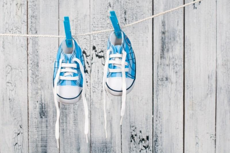 baby-shoes-hanging-on-the-clothesline