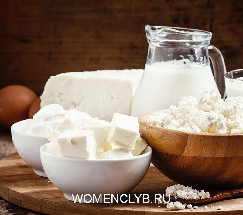 farm-organic-dairy-products-milk-yogurt-cream-cottage-cheese