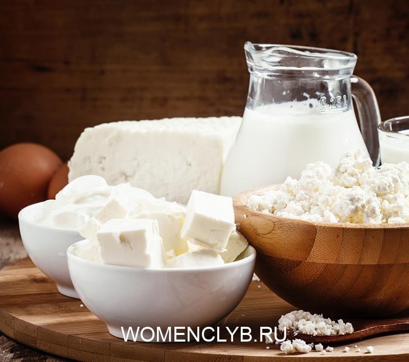 farm-organic-dairy-products-milk-yogurt-cream-cottage-cheese-2