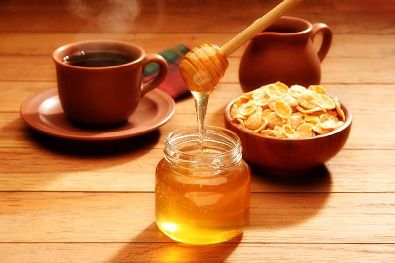 healthy-breakfast-with-honey